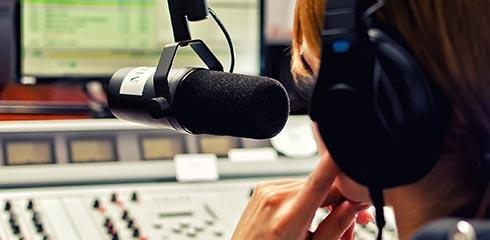 AETAS Kinderstiftung hilft Radio machen